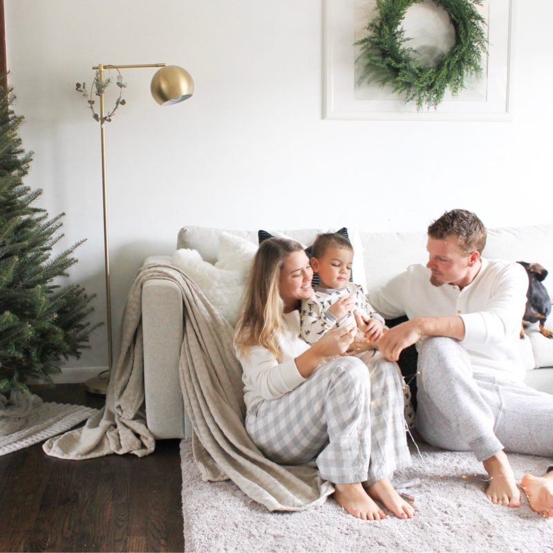 Tips for Holiday Card Photos at home with kids